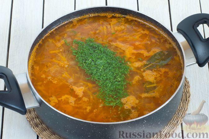 Фото приготовления рецепта: Постный рассольник с консервированной фасолью - шаг №9