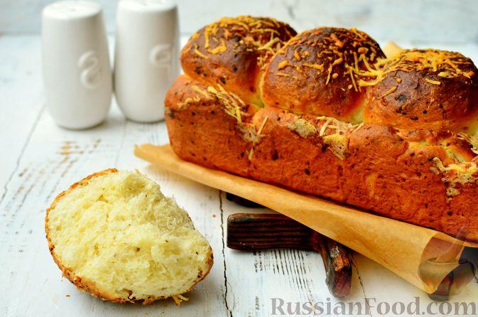 Фото к рецепту: Хлеб с пармезаном и орегано