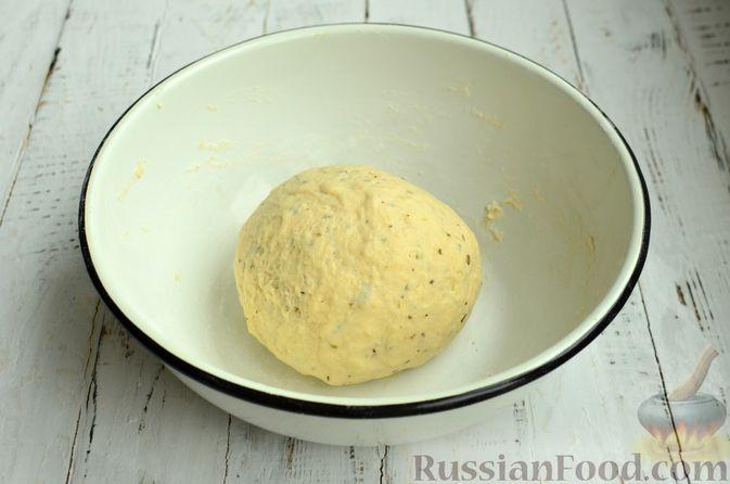 Фото приготовления рецепта: Хлеб с пармезаном и орегано - шаг №6