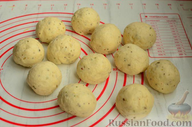 Фото приготовления рецепта: Хлеб с пармезаном и орегано - шаг №8