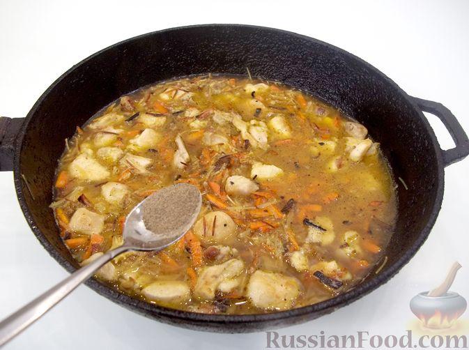 Фото приготовления рецепта: Кролик с вермишелью и морковью (на сковороде) - шаг №16