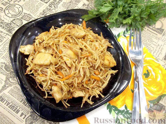 Фото приготовления рецепта: Кролик с вермишелью и морковью (на сковороде) - шаг №20