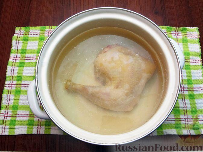 Фото приготовления рецепта: Рассольник с курицей - шаг №2