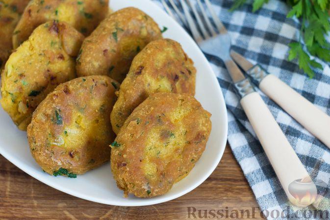 Фото к рецепту: Постные кукурузные лепёшки с жареным луком и зеленью (на сковороде)