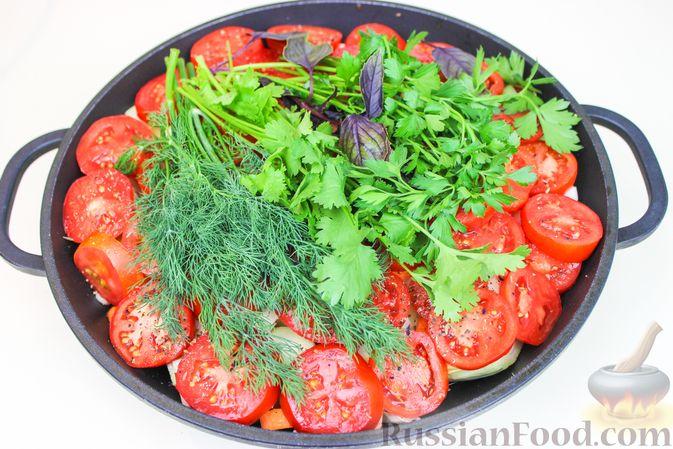 Фото приготовления рецепта: Баранина, тушенная с капустой и помидорами - шаг №6