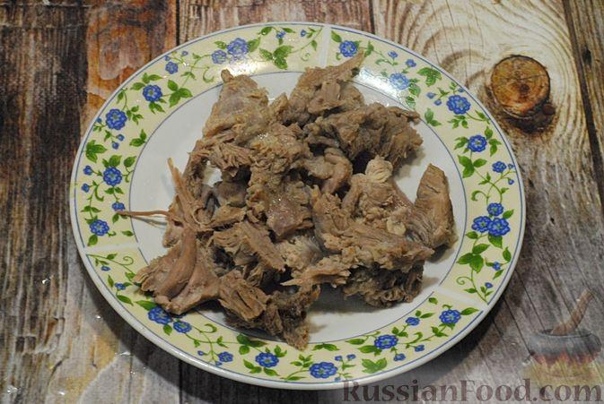 Фото приготовления рецепта: Говяжий суп со сметаной и хреном - шаг №7