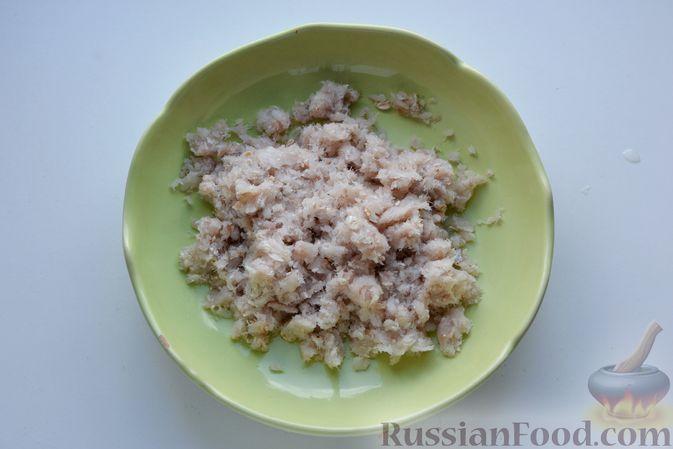 Фото приготовления рецепта: Гречневый суп с тыквой и рыбными фрикадельками - шаг №7