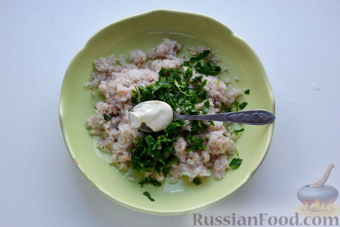 Фото приготовления рецепта: Гречневый суп с тыквой и рыбными фрикадельками - шаг №9