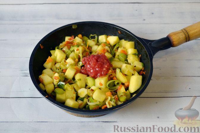 Фото приготовления рецепта: Куриный суп с тыквой и булгуром - шаг №11