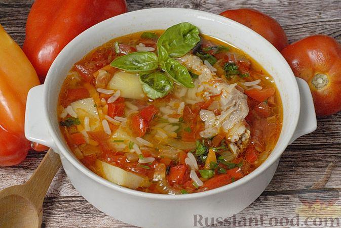 Фото к рецепту: Суп со свиными рёбрами, рисом, помидорами и сладким перцем