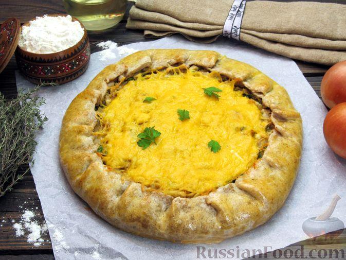 Фото к рецепту: Открытый пирог с капустой и яйцами, на пиве