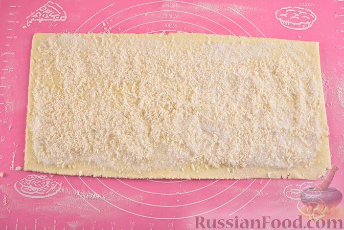 Фото приготовления рецепта: Творожное печенье с кокосовой начинкой - шаг №11