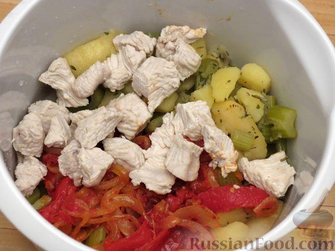 Фото приготовления рецепта: Суп-пюре из сельдерея, яблок и индейки - шаг №17