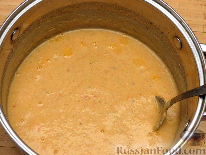 Фото приготовления рецепта: Суп-пюре из сельдерея, яблок и индейки - шаг №21