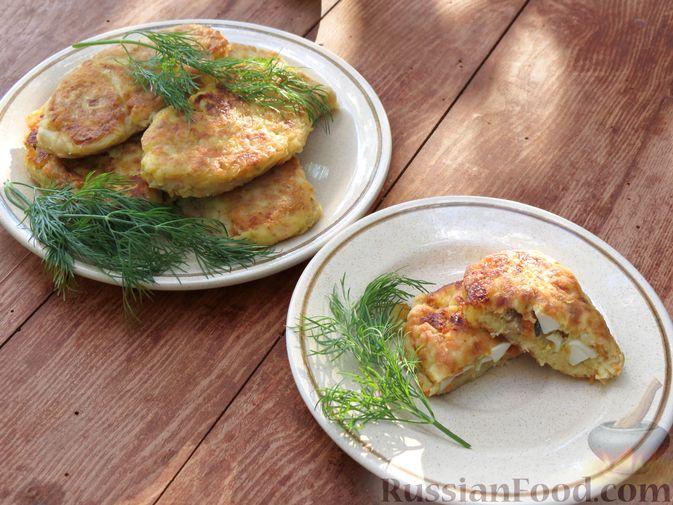 Фото приготовления рецепта: Зразы из капусты и сельдерея с начинкой из грибов и варёных яиц - шаг №26