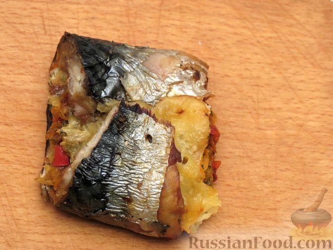 Фото приготовления рецепта: Рулеты из скумбрии с болгарским перцем, морковью и сыром - шаг №19