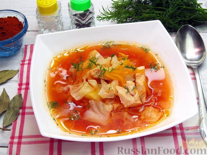 Фото к рецепту: Куриный суп с капустой и томатной пастой