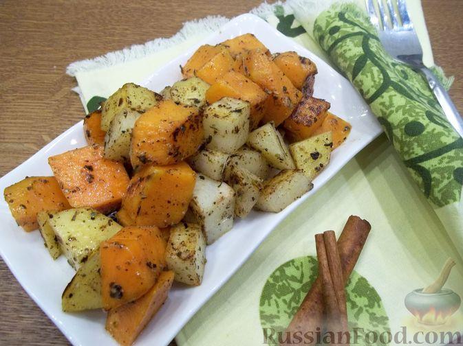 Фото приготовления рецепта: Картошка, запечённая с тыквой (в микроволновке) - шаг №10