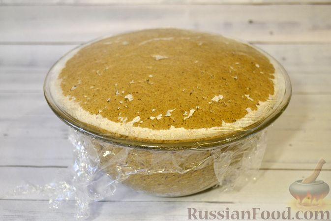 Фото приготовления рецепта: Ржаные хлебцы - шаг №7