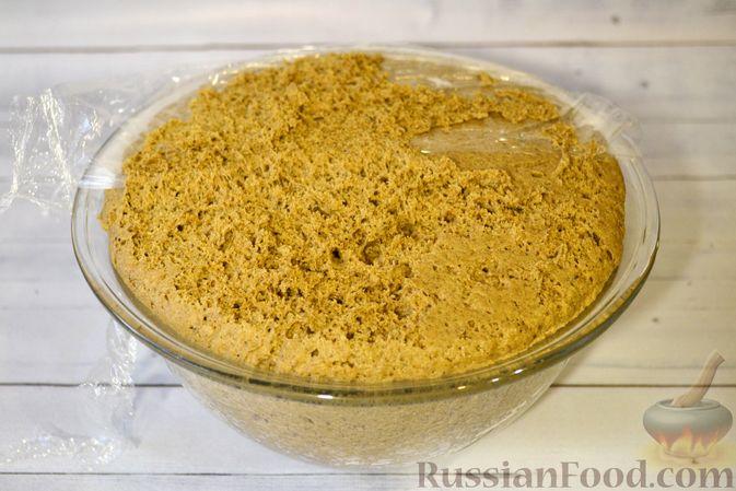 Фото приготовления рецепта: Ржаные хлебцы - шаг №8