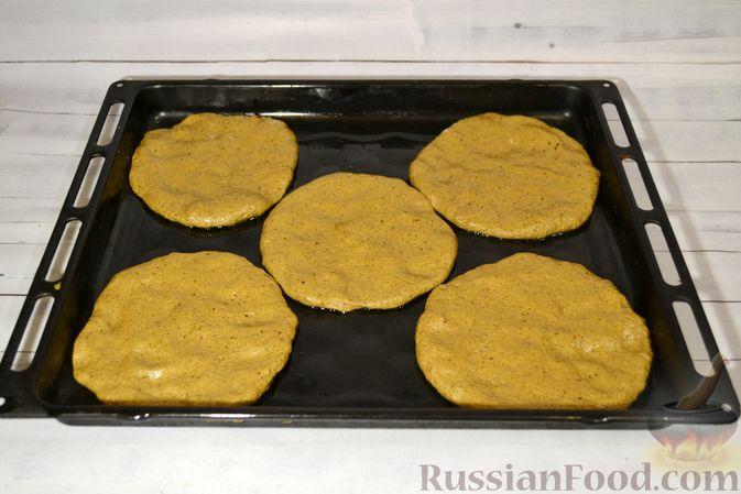 Фото приготовления рецепта: Ржаные хлебцы - шаг №9