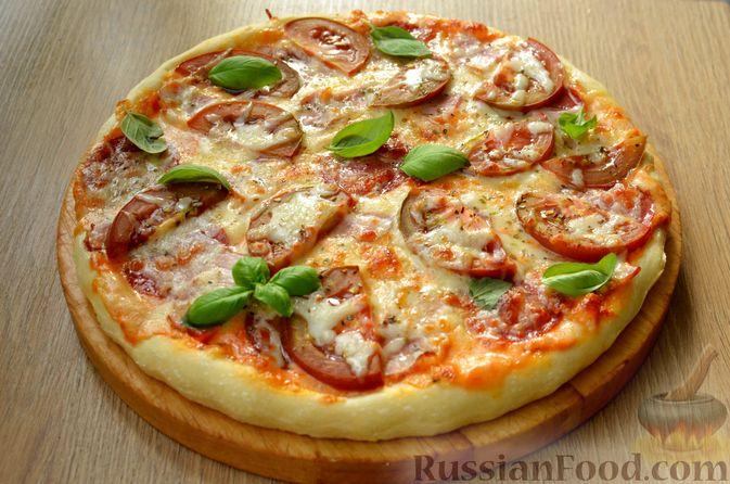 Фото к рецепту: Пицца из дрожжевого теста длительного брожения, с копчёностями и помидорами