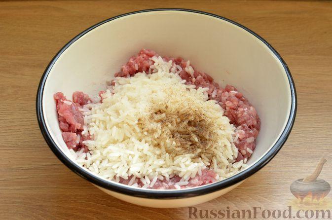 Фото приготовления рецепта: Суп с фрикадельками и шампиньонами - шаг №8