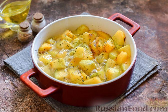 Фото приготовления рецепта: Запечённая тыква с яйцами и адыгейским сыром - шаг №8