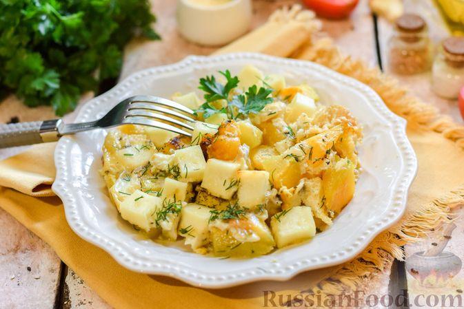 Фото приготовления рецепта: Запечённая тыква с яйцами и адыгейским сыром - шаг №11