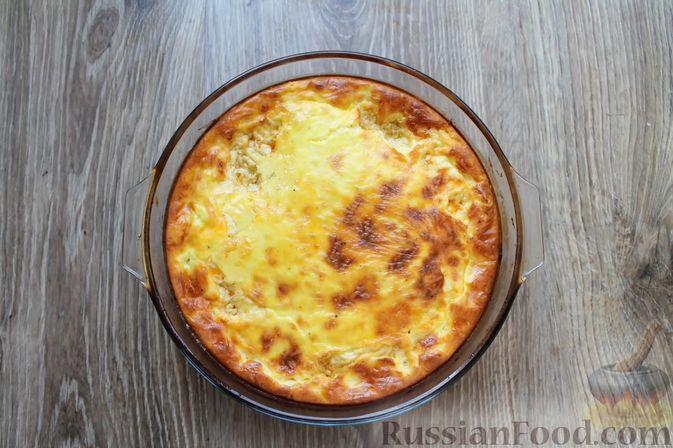 Фото приготовления рецепта: Запеканка из куриного филе с грибами и беконом, в сметанно-сырной заливке - шаг №14