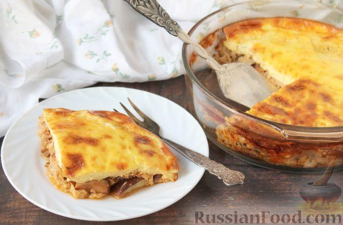 Фото к рецепту: Запеканка из куриного филе с грибами и беконом, в сметанно-сырной заливке