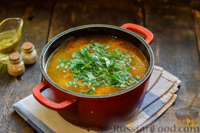 Фото приготовления рецепта: Суп с жареной свининой и помидорами - шаг №14
