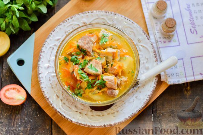 Фото приготовления рецепта: Суп с жареной свининой и помидорами - шаг №15