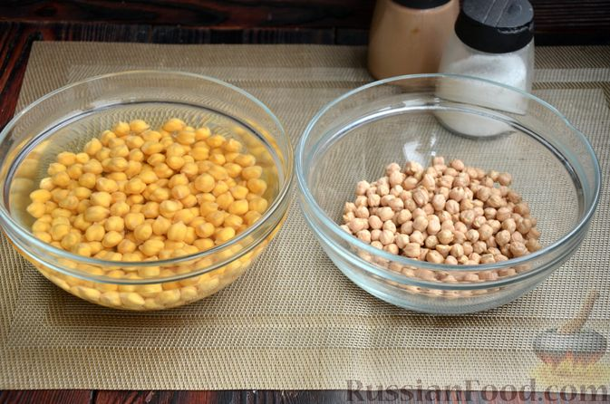 Фото приготовления рецепта: Куриные голени, тушенные с нутом и овощами - шаг №2