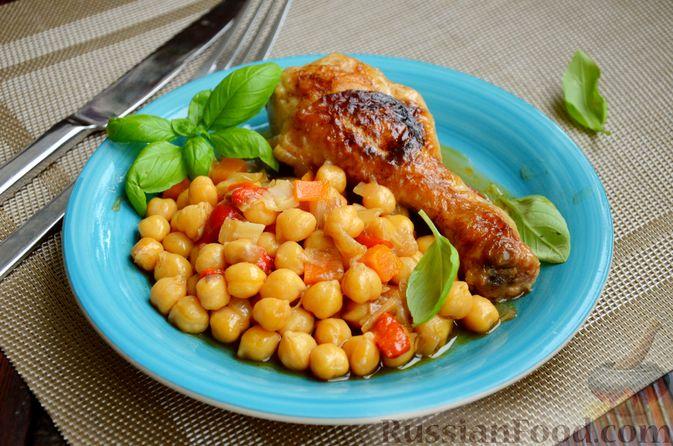 Фото приготовления рецепта: Куриные голени, тушенные с нутом и овощами - шаг №15