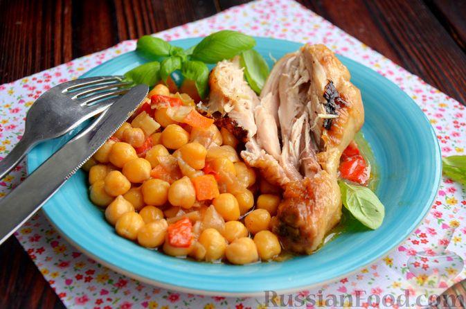 Фото приготовления рецепта: Куриные голени, тушенные с нутом и овощами - шаг №16