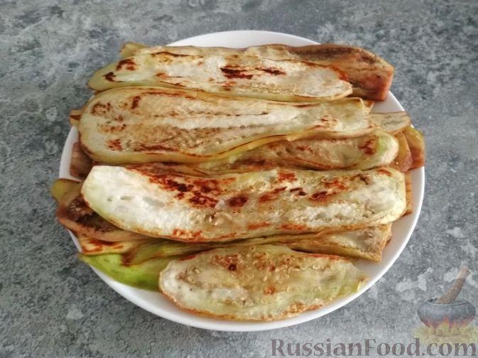 Фото приготовления рецепта: Запеканка из баклажанов, картофеля и мясного фарша - шаг №1