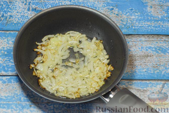 Фото приготовления рецепта: Бефстроганов с гречкой и лисичками - шаг №6