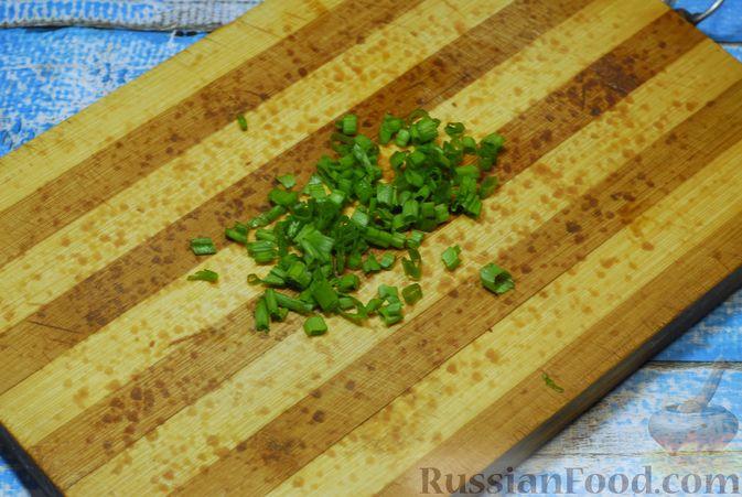 Фото приготовления рецепта: Бефстроганов с гречкой и лисичками - шаг №13