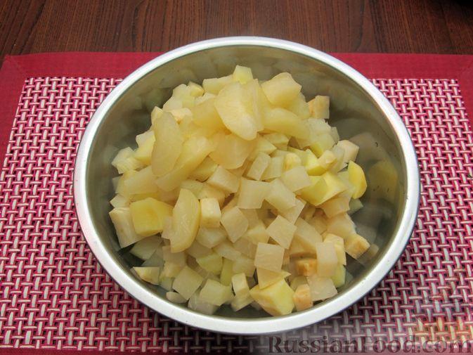 Фото приготовления рецепта: Пюре из кольраби, сельдерея, картофеля и яблока - шаг №9