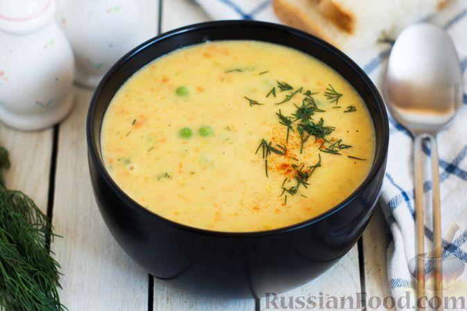 Фото к рецепту: Гороховый суп-пюре со сливками и плавленым сыром
