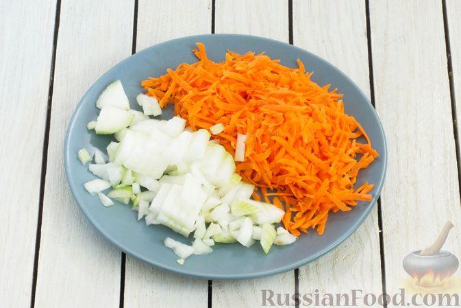 Фото приготовления рецепта: Гороховый суп-пюре со сливками и плавленым сыром - шаг №5