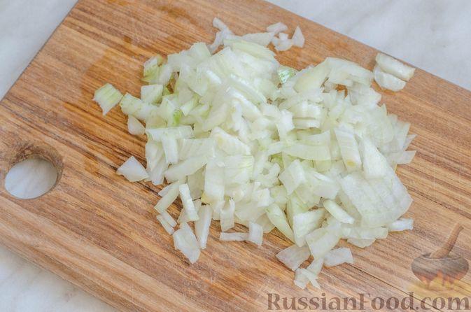 Фото приготовления рецепта: Ризотто с кабачками и сельдереем - шаг №4