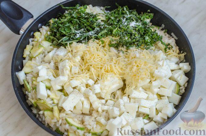 Фото приготовления рецепта: Ризотто с кабачками и сельдереем - шаг №18