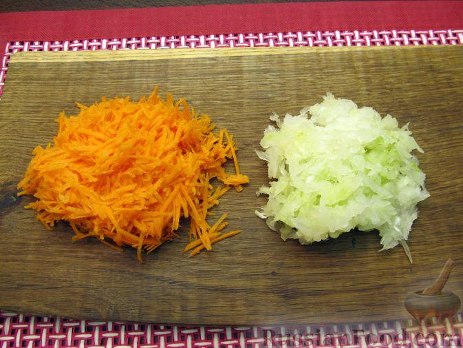 Фото приготовления рецепта: Тыквенные крокеты с морковью и сыром (в духовке) - шаг №6