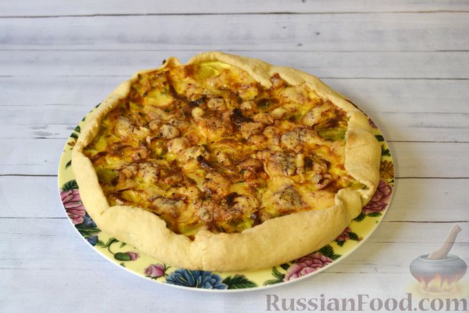 Фото приготовления рецепта: Киш с луком-пореем и сыром - шаг №20