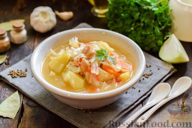 Фото к рецепту: Овощной суп с фасолью и капустой
