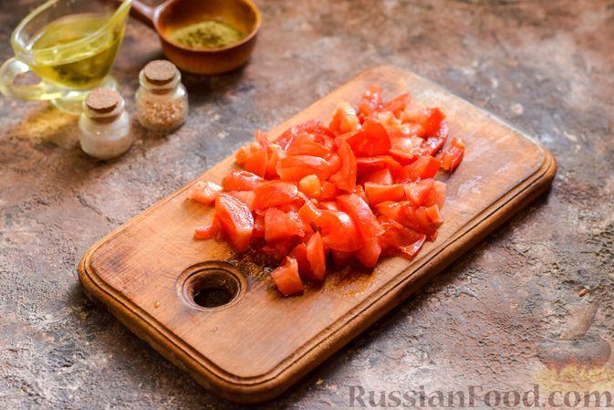 Фото приготовления рецепта: Овощной суп с фасолью и капустой - шаг №3