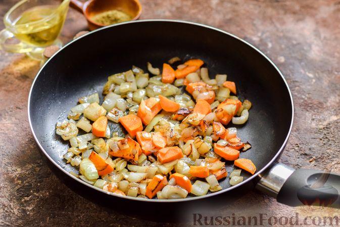 Фото приготовления рецепта: Овощной суп с фасолью и капустой - шаг №5