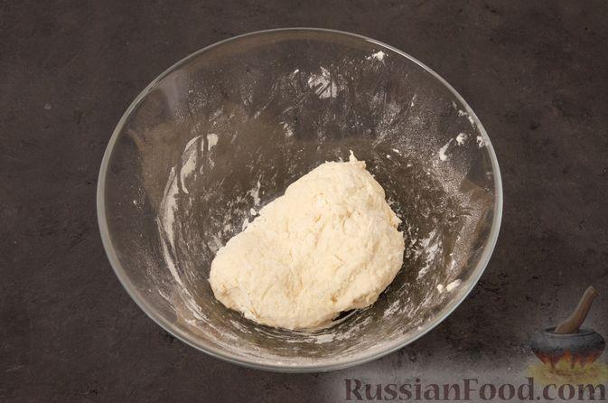 Фото приготовления рецепта: Кутабы с начинкой из творога и зелени - шаг №4